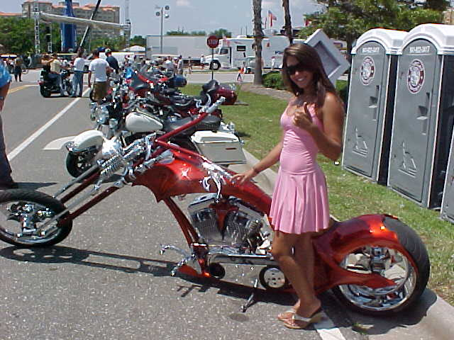 custombikeGirl.JPG
